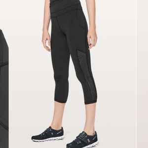 NWT. Lululemon Ready to Race Crop